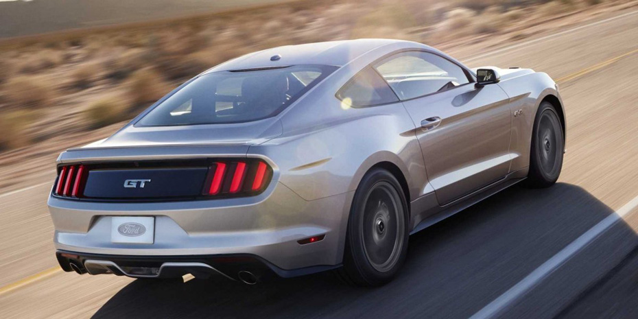 2015-Ford-Mustang-GT-Rear