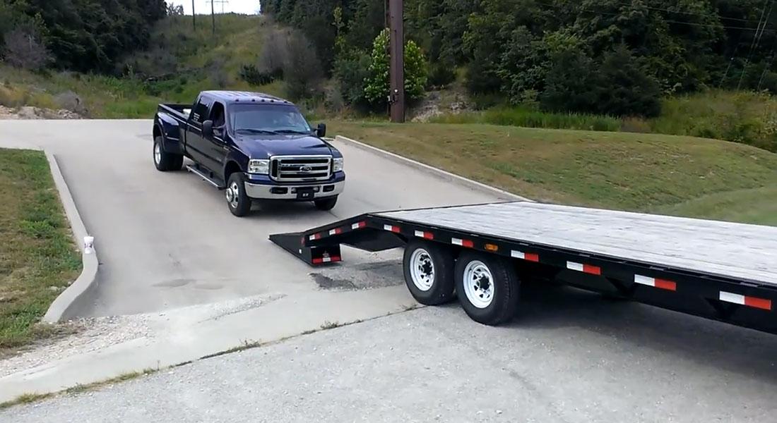 ford-superduty-pickup-truck-trailer-loading-fail