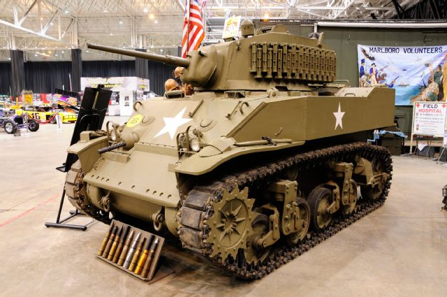 2015-piston-powered-autorama-m5a1-stuart-light-tank