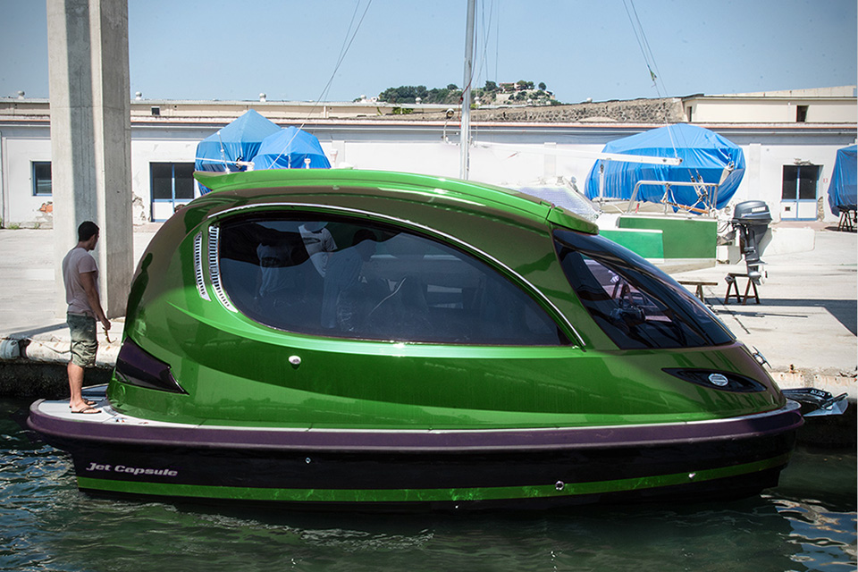 Jet-Capsule-Reptile-Mini-Yacht-1