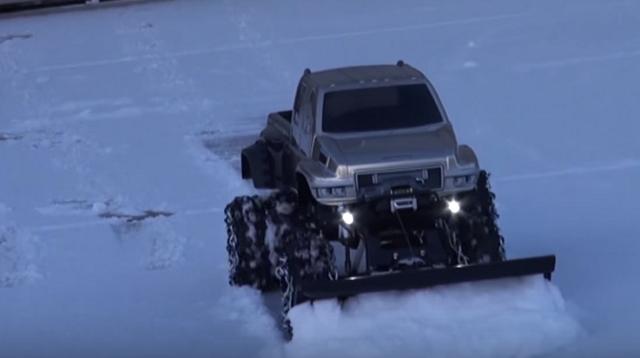 RC ADVENTURES - OVERKiLL SNOW PLOW!