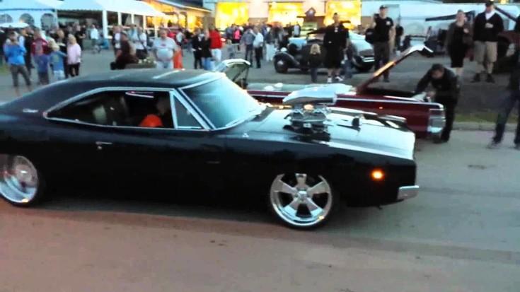 Insane 1968 Dodge Charger Burnout
