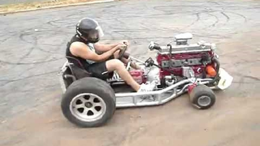 Go-Kart-with-a-6-Cylinder-Engine-is-Insane