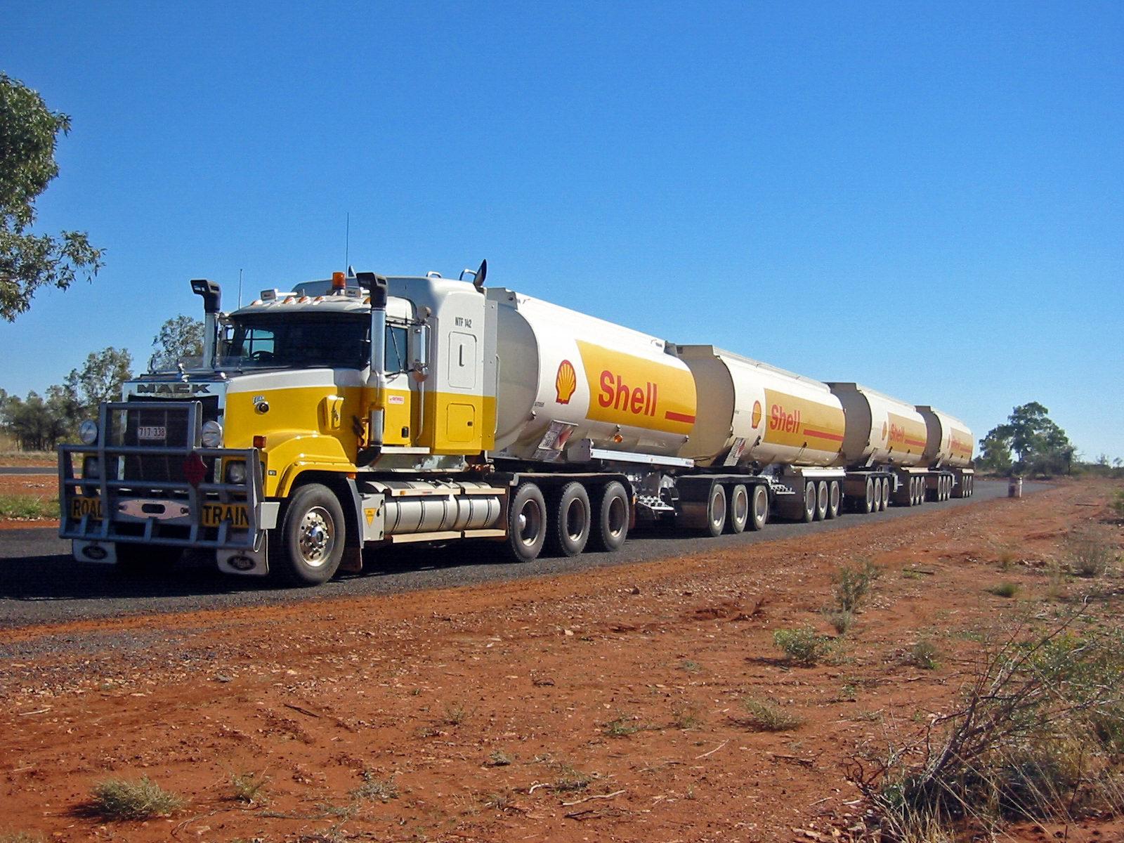Road_Train_Australia
