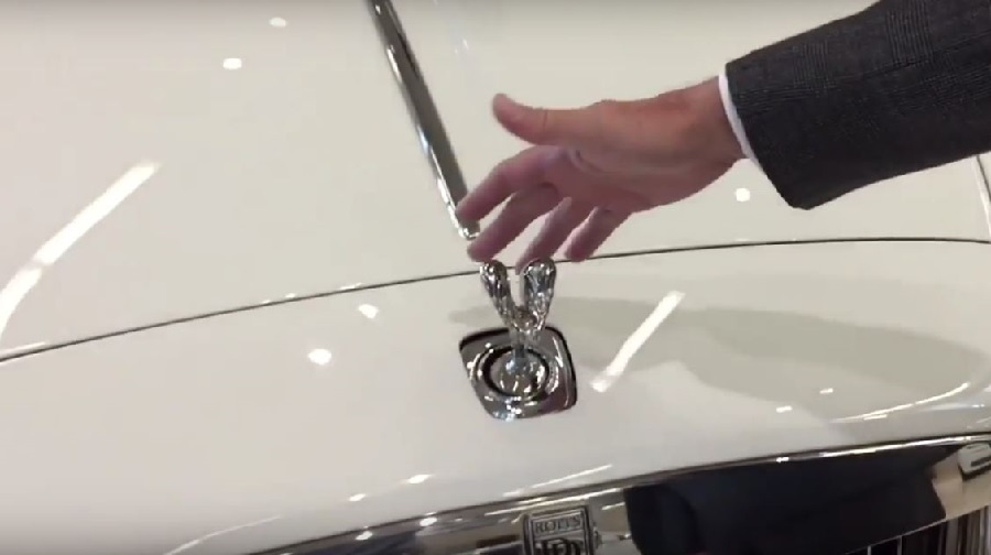 Watch-What-Happens-When-You-Try-to-Steal-a-Rolls-Royces-Hood-Ornament