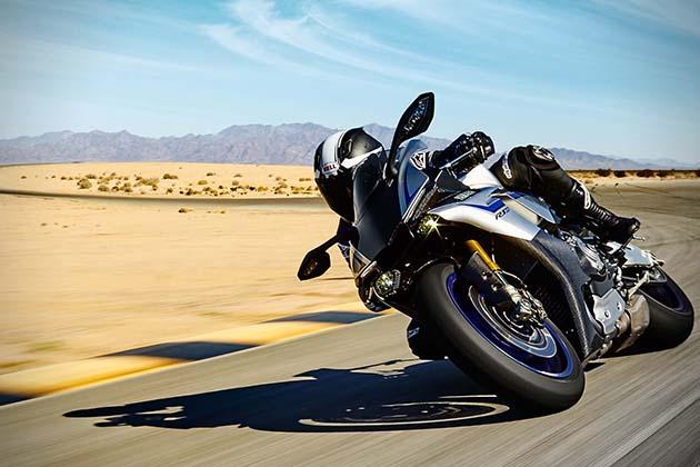 2015-Yamaha-YZF-R1M-1
