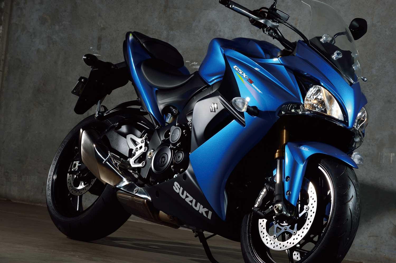 2015-Suzuki-GSX-S1000F-012