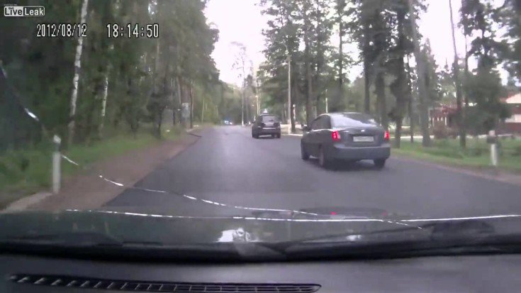 Overtaking 8 Cars Goes Wrong!