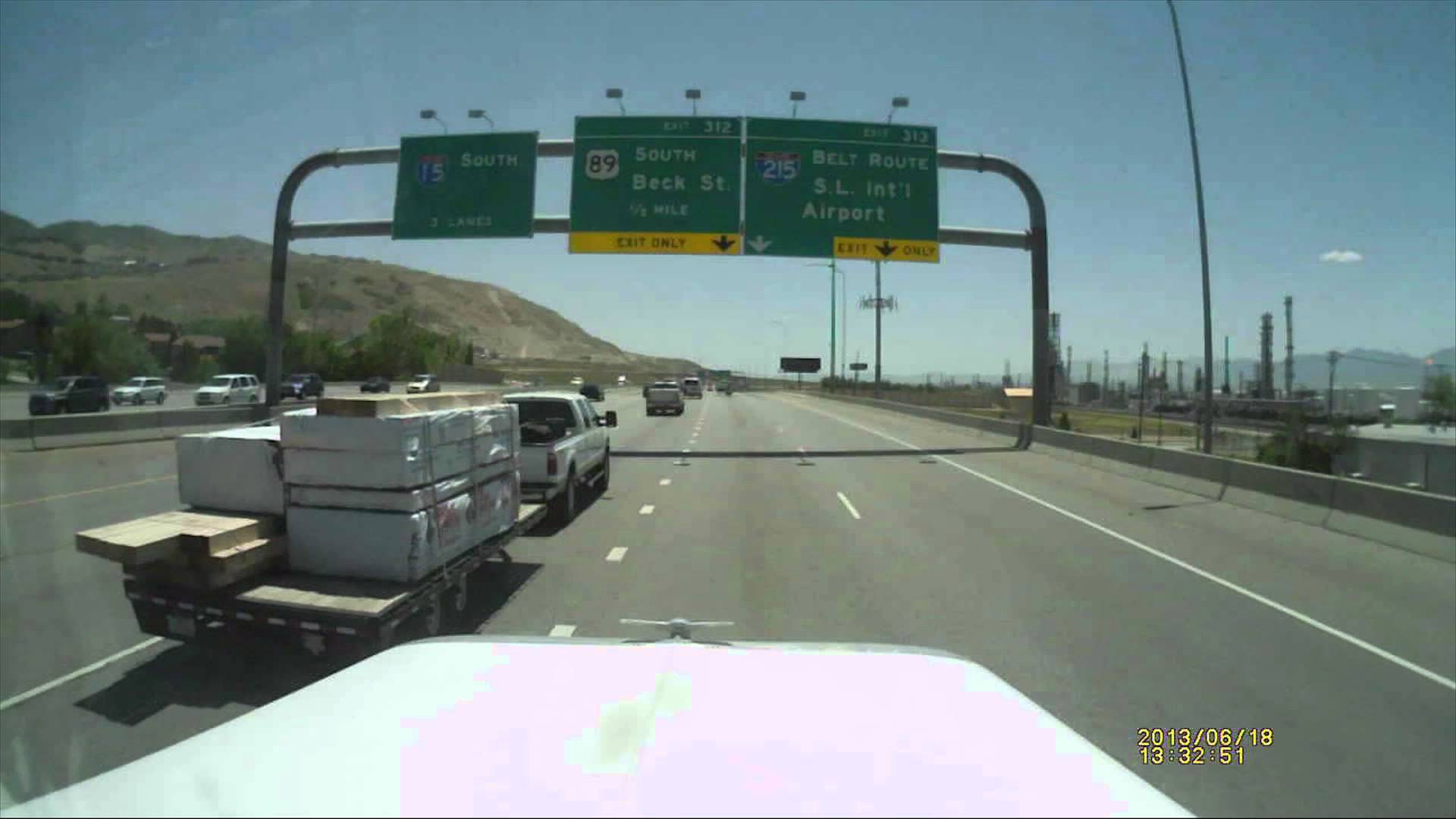 Trucker Takes out Pickup and Trailer on The Interstate